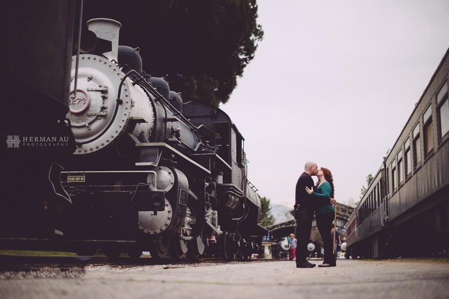 Rachel-&-Nick-griffith-vintage-engagement-session-7