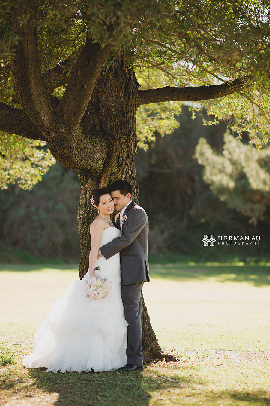 Michelle & William California Country Club bridal portrait tree vintage